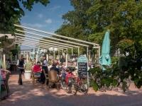 """Restaurant """"Zur Seebrücke"""" Boltenhagen - Sommerterrasse - Eingang"""